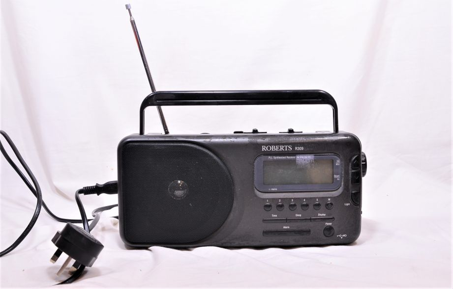 Roberts R309 AM/FM/LW/SW Portable Radio - Mains and Battery Powered 1
