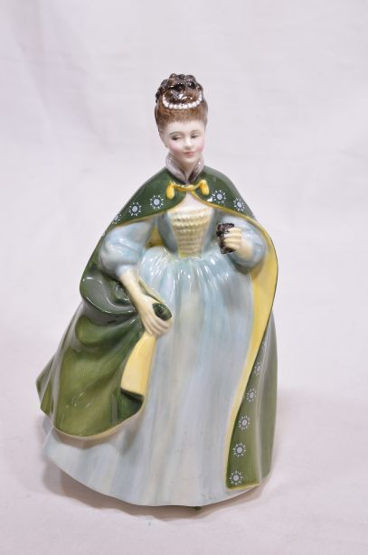 Royal Doulton Figure - Premiere 1967 - Lady in Green Cloak HN2343