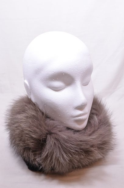 Max Mara Italian Fox Fur Collar 1
