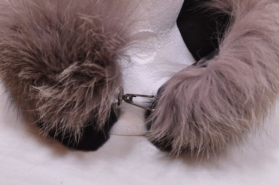 Max Mara Italian Fox Fur Collar 2