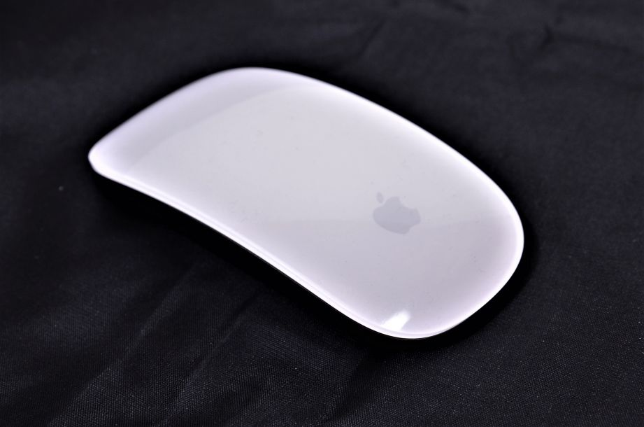 Genuine Apple Wireless Bluetooth Magic Mouse A1296