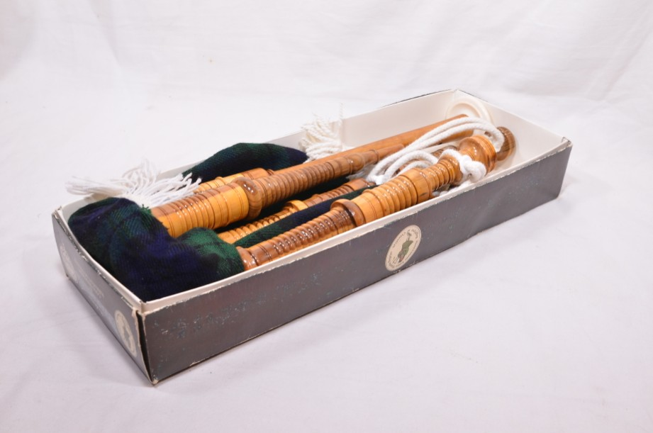 Clanullah Junior bagpipes by Gold Brothers of Kirkaldy 10