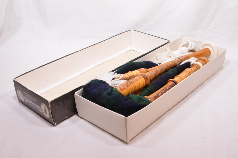 Clanullah Junior bagpipes by Gold Brothers of Kirkaldy 4
