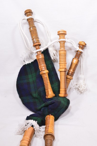 Clanullah Junior bagpipes by Gold Brothers of Kirkaldy 7