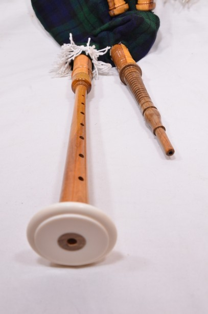 Clanullah Junior bagpipes by Gold Brothers of Kirkaldy 8