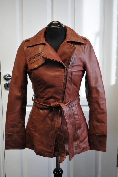 Ladies Whet blu Brown Leather Jacket good condition with wrap round tie up belt. 1