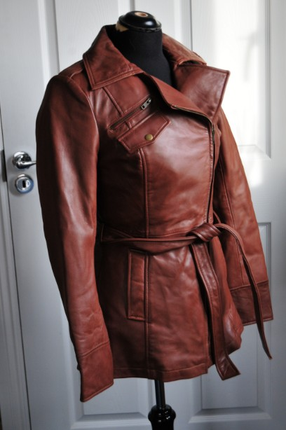 Ladies Whet blu Brown Leather Jacket good condition with wrap round tie up belt. 2