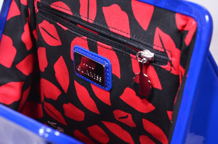 Rare Lulu Guinness Cobalt Blue Red Lips Patent Bag With Shoulder Strap 11
