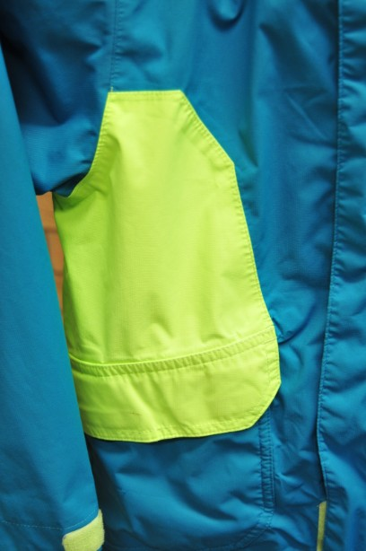 The North Face Boys HyVent Jacket in Bright Blue and Green size S/7-8 years 3