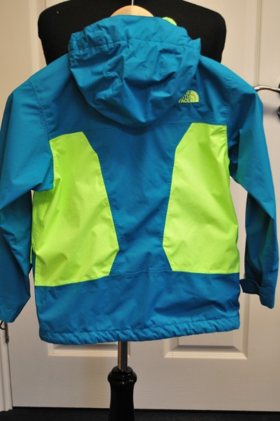 The North Face Boys HyVent Jacket in Bright Blue and Green size S/7-8 years 5