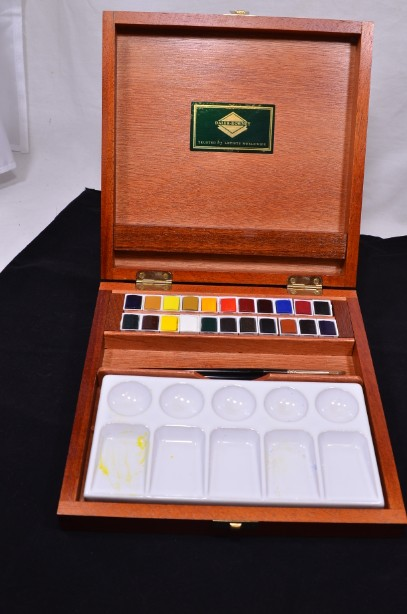Daler-Rowney Watercolour Paint Box Set of 24 Paints & 3 Sable Brushes