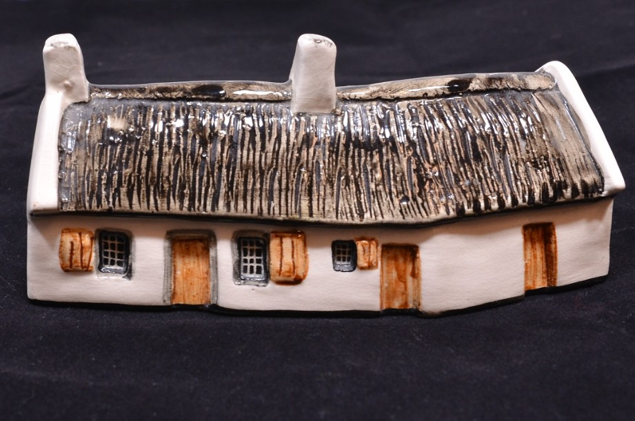 Tey pottery Miniature of 'Burn's Cottage' Alloway, Scotland.