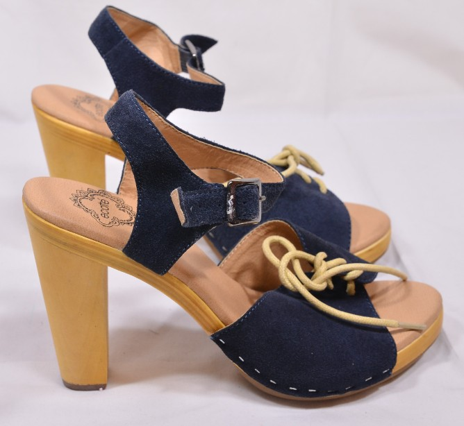 Brand New Ecote for Urban Outfitters Blue Suede Heeled Sandals Size 5 2