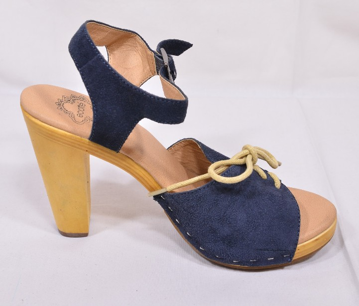 Brand New Ecote for Urban Outfitters Blue Suede Heeled Sandals Size 5 3