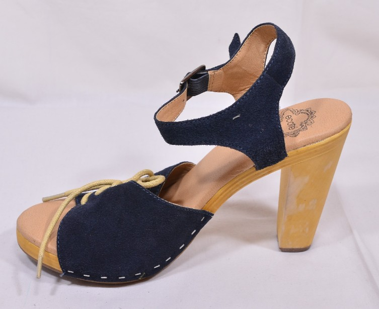 Brand New Ecote for Urban Outfitters Blue Suede Heeled Sandals Size 5 4