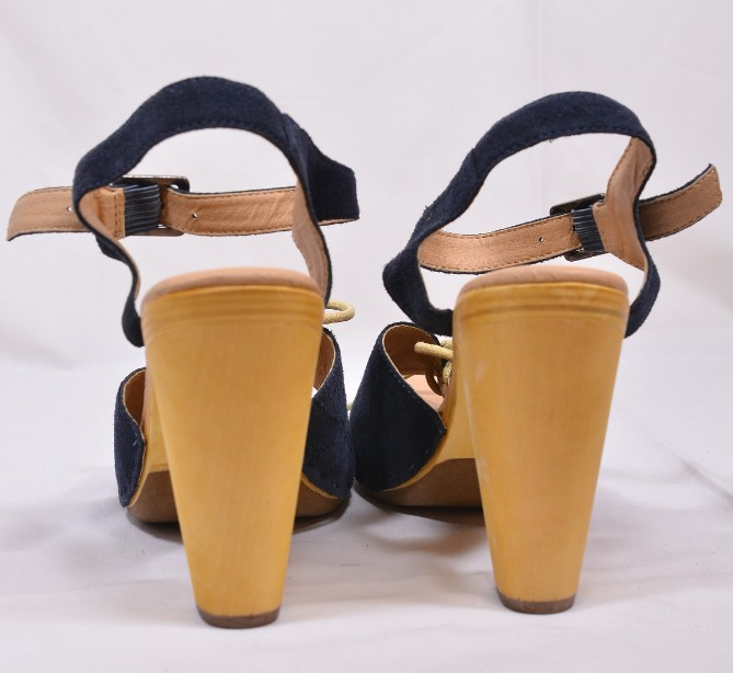 Brand New Ecote for Urban Outfitters Blue Suede Heeled Sandals Size 5 5