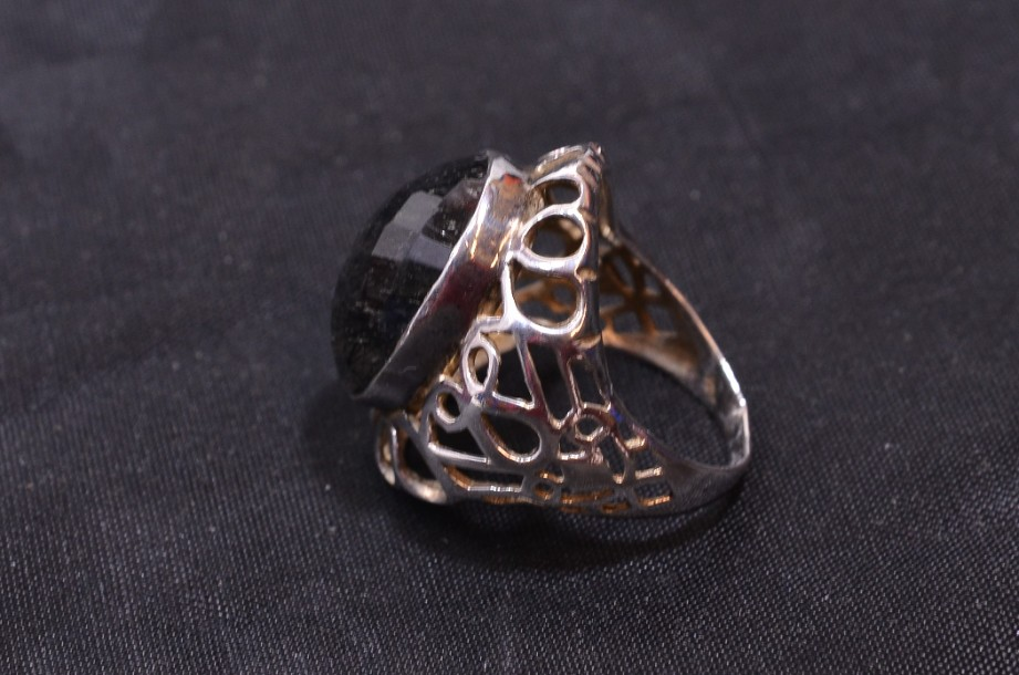 Hallmarked Sterling Silver Rutilated Quartz ring  Size Large 6