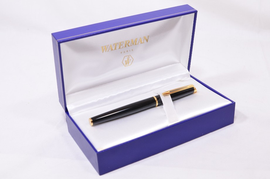 Waterman Hemisphere Fountain Pen - Gloss Black & Gold - Medium Nib