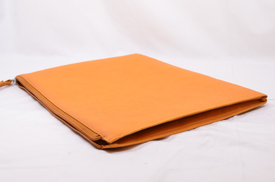 Fedon Leatherette Pochette for documents and tablet in orange 5
