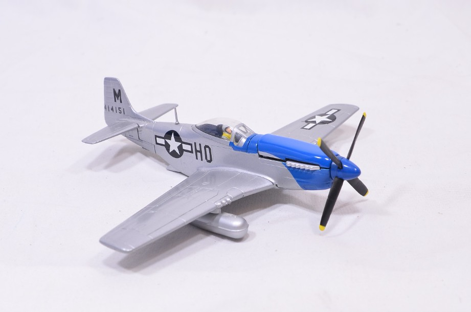 """1:72 Corgi The Aviation Archive P51D Mustang - """"Petie 2nd"""" AA32204 3"""