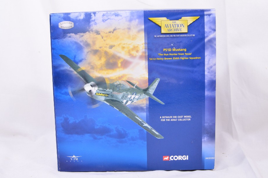 Corgi The Aviation Collection P51D Mustang 'The Hun Hunter from Texas' AA32202 1