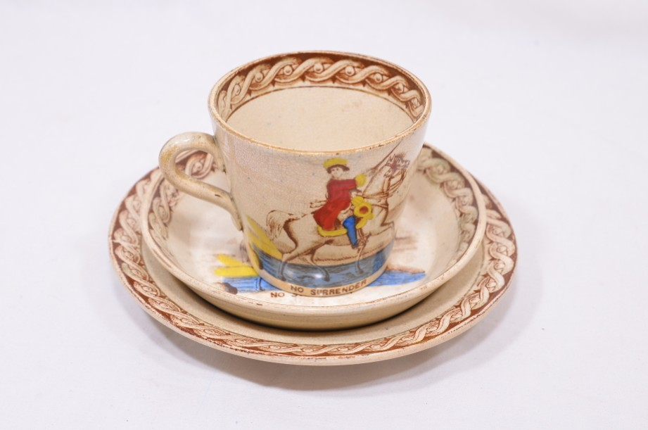 William III of Orange political 'No Surrender' cup, saucer and plate trio 11