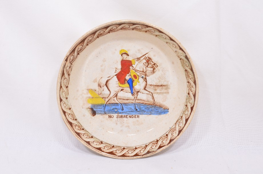 William III of Orange political 'No Surrender' cup, saucer and plate trio 4