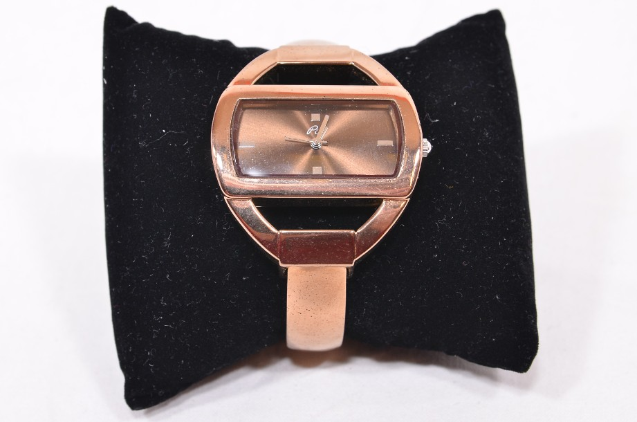 Pia Bangle Watch in Rose Gold Colour Boxed 2