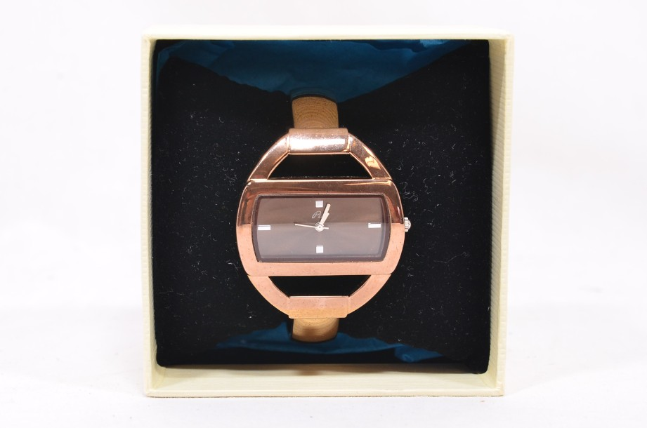 Pia Bangle Watch in Rose Gold Colour Boxed 6
