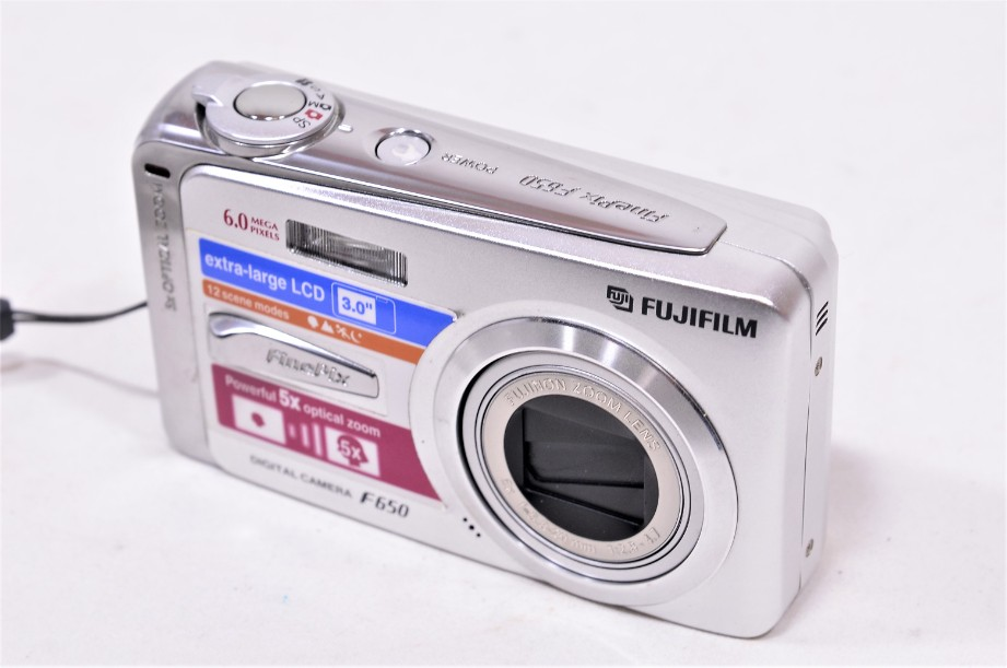 Fujifilm Finepix F650 Digital Camera 6MP 5x Zoom