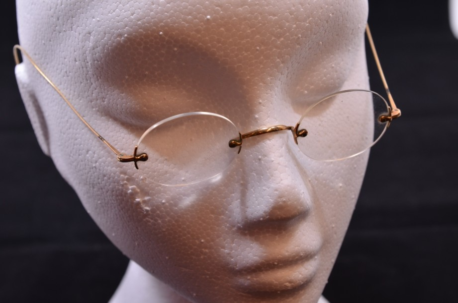 Vintage Frameless Spectacles with Gold Plated Wire Arms in Original Case
