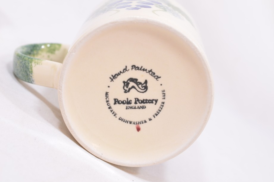 Pair of Matching Poole Pottery Hand-Painted Mugs with a Grapevine Design 5