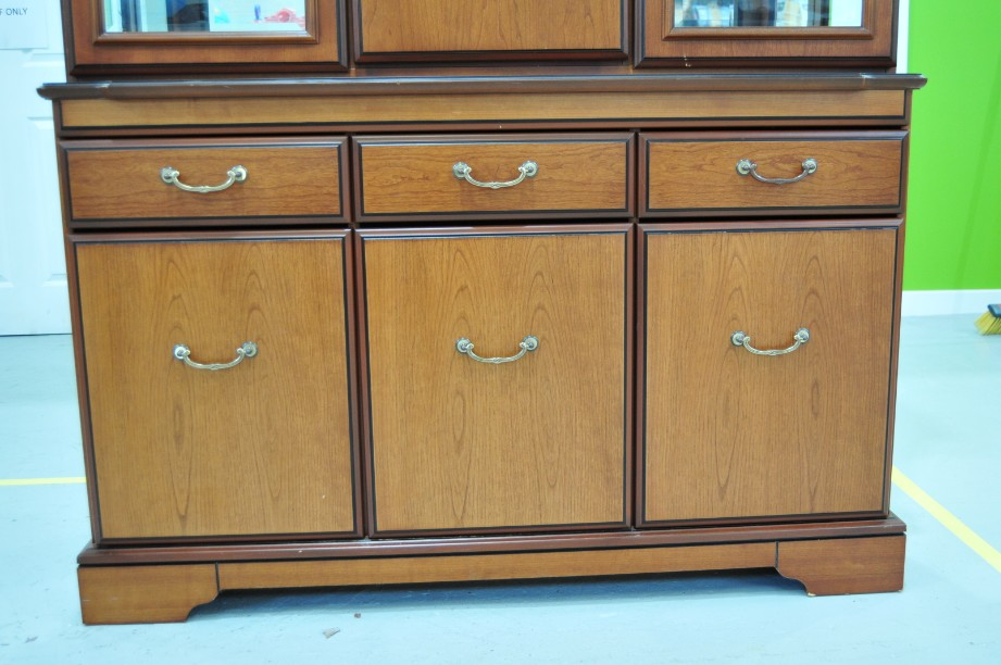 John E Coyle Cherry Wood Glass Fronted Drinks Display Cabinet 4