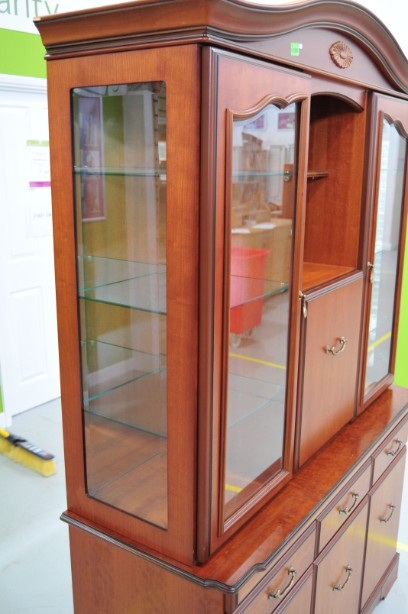 John E Coyle Cherry Wood Glass Fronted Drinks Display Cabinet 8