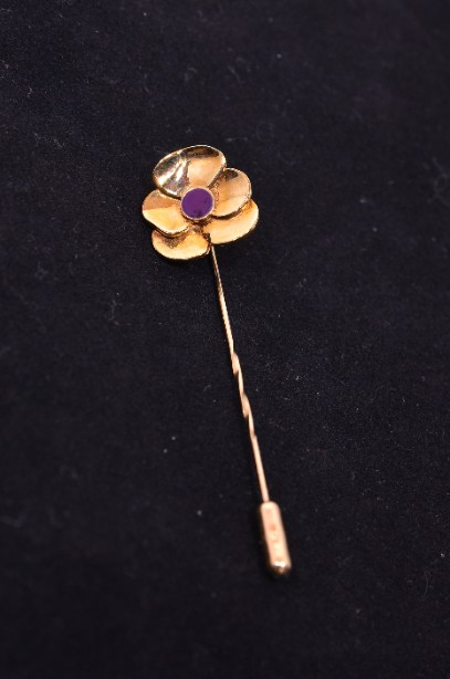 9 Carat Gold Flower Stick Pin Brooch with an Amethyst Stone Centre