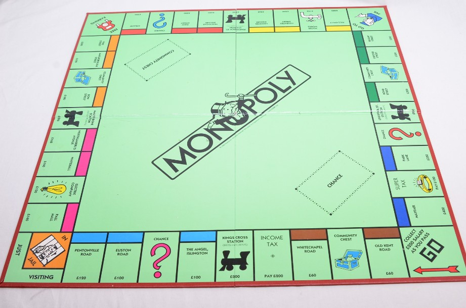 Monopoly Board Game 1996 by Waddingtons 5