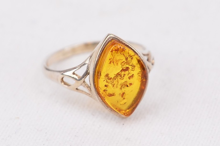 Sterling silver (925) ring with amber coloured stone size L
